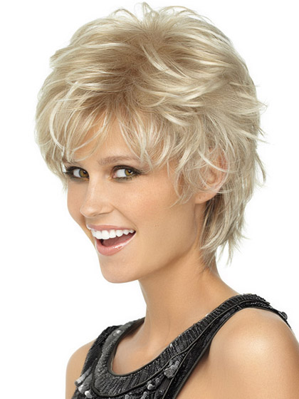 Discount Wavy Blonde Short Wigs